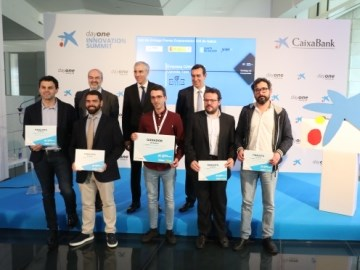 La empresa OpositaTest gana los Premios EmprendedorXXI en Galicia